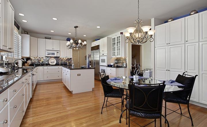 Lát sàn gỗ cho căn bếp chung cư