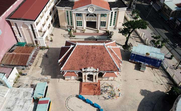 Thăm nhà của Bạch công tử Lê Công Phước